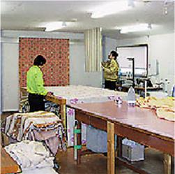 専任スタッフによる縫製